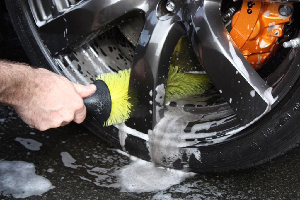 Lava tu coche con productos caseros vender coche averiado - Aparatos para limpiar cristales ...